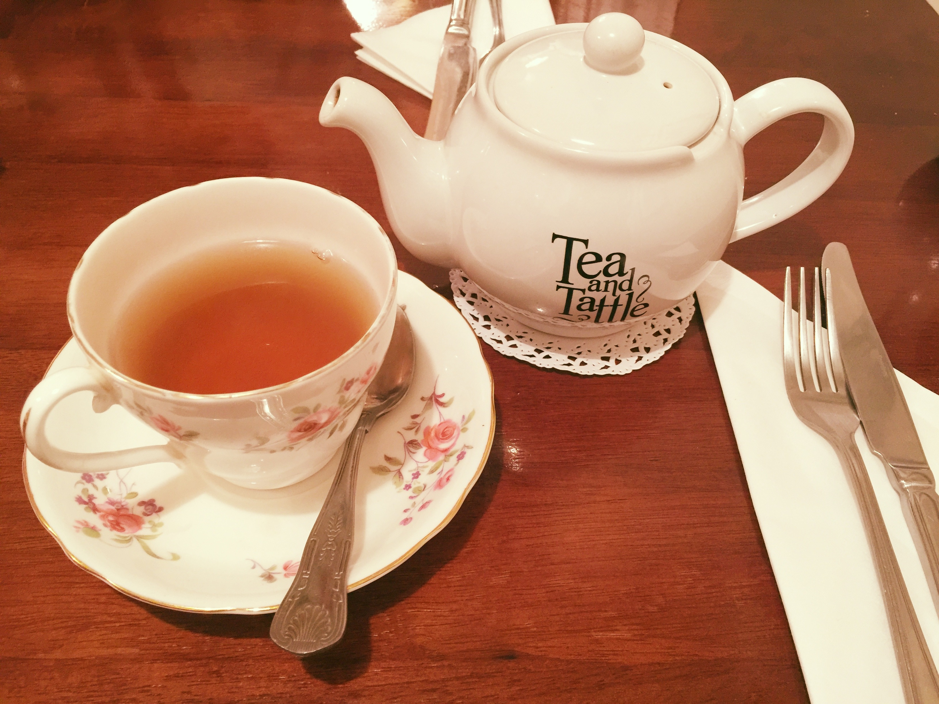 tea-pot-and-cup