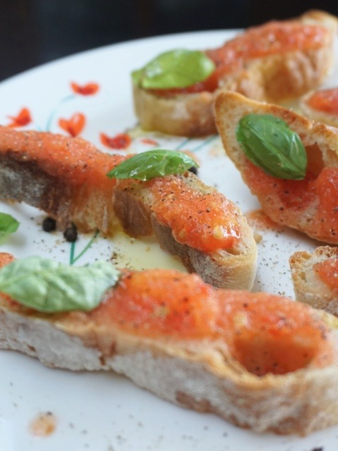 The tapa that deserves an entry of its own: pa amb tomàquet